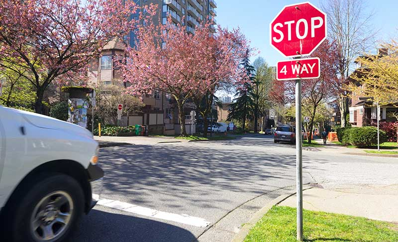 How to Prove Fault in Intersection 4-Way Stop Sign Accidents